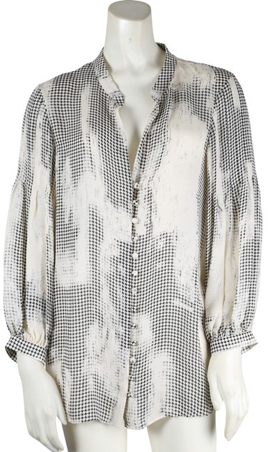 Preload https://img-static.tradesy.com/item/24239996/parker-black-and-white-silk-button-down-blouse-size-8-m-0-1-650-650.jpg
