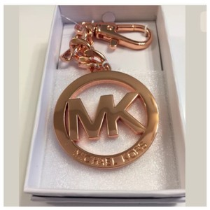 Michael Kors nwt mk logo charms in rose gold