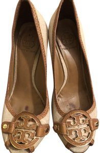Tory Burch Natural/Royal Tan in Linen Wedges