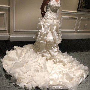 Alexander McQueen Off White Lace Satin Hand Made Never Worn Formal Wedding Dress Size 8 (M)