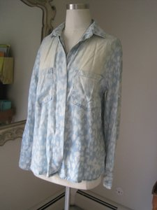 Bella Dahl Tie Dye Jeans Button Down Shirt Blue and White