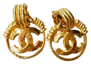 Chanel Chanel Vintage 18k Gold Plated Twisted Wire Clip on Earrings