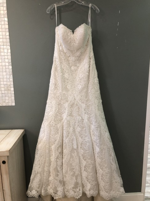 Item - (Iv-oy) Ivory Lace Over Oyster Dolce Satin D2224 Formal Wedding Dress Size 8 (M)