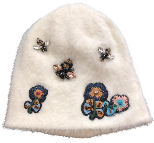 Preload https://img-static.tradesy.com/item/24244624/anthropologie-withe-new-sleeping-on-snow-jeweled-beanie-hat-0-3-540-540.jpg