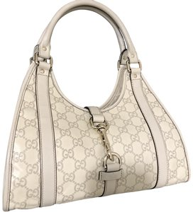 Yellow Gucci Hobo Bags - Up to 90% off at Tradesy e5dcdbb85076d