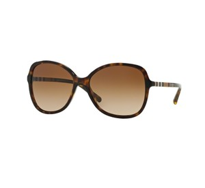 081098f451 Burberry Sunglasses - Up to 70% off at Tradesy (Page 4)