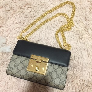 Gucci Vintage Leather Monogram Monogram Cross Body Bag