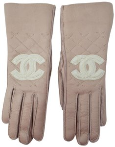 Chanel Pink leather Chanel interlocking CC short gloves