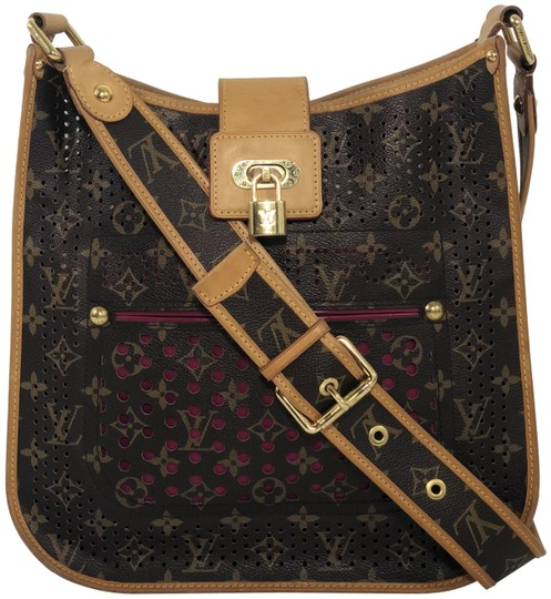 Preload https://img-static.tradesy.com/item/24247842/louis-vuitton-musette-limited-edition-monogram-perforated-brown-canvas-cross-body-bag-0-1-540-540.jpg
