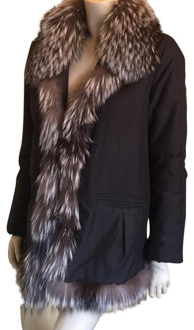 Item - Black W/Silver Fox Jacket W/Silver Coat Size 10 (M)