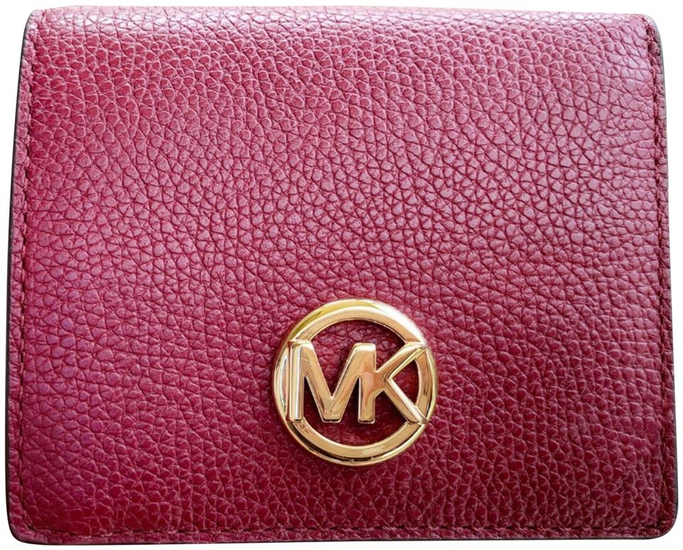 d2d1664911bb Michael Kors Burgundy Mulberry Fulton Carryall Card Case Leather Wallet