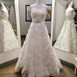 Casablanca Ivory Tulle Over Satin New with Tags Bridals Gown Formal Wedding Dress Size 8 (M)