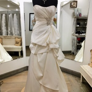 Casablanca Ivory Satin Bridal Gown Formal Wedding Dress Size 6 (S)