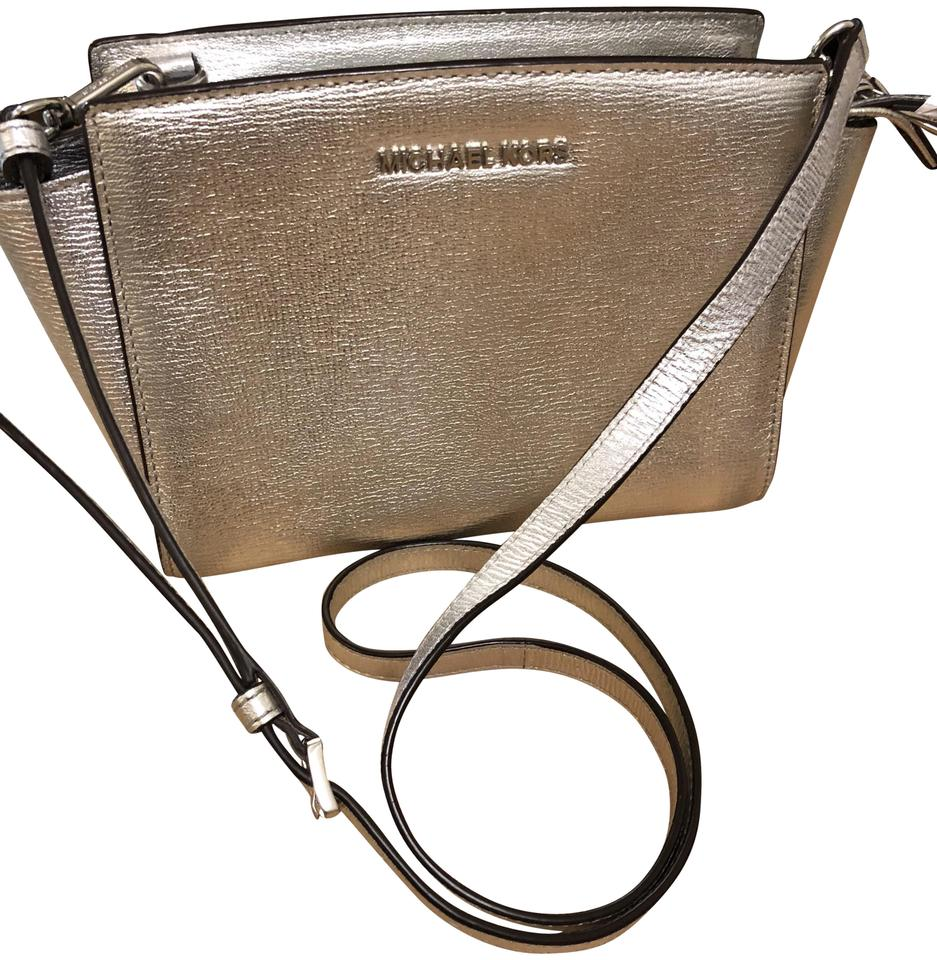 e2b6953e8eb2 MICHAEL Michael Kors Selma Medium Metallic Silver Leather Cross Body ...
