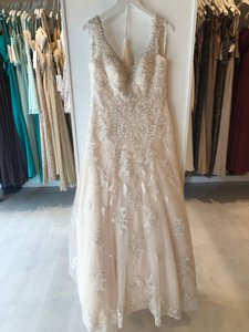 Essense of Australia Ivory Over Almond Lace Applique D2167 Traditional Wedding Dress Size 8 (M)