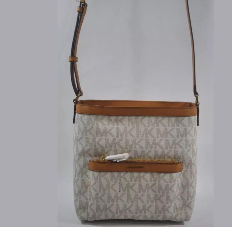 59d49a68cd47 Michael Kors Messenger Morgan Medium Crossbody Vanilla Pvc Leather ...