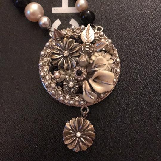Chanel necklace Image 1