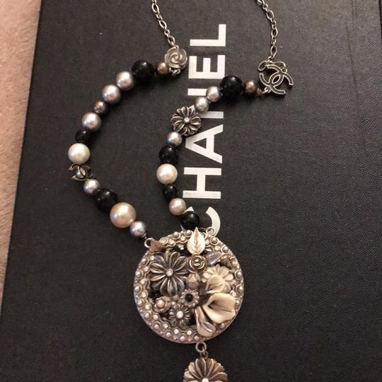 Chanel necklace Image 9