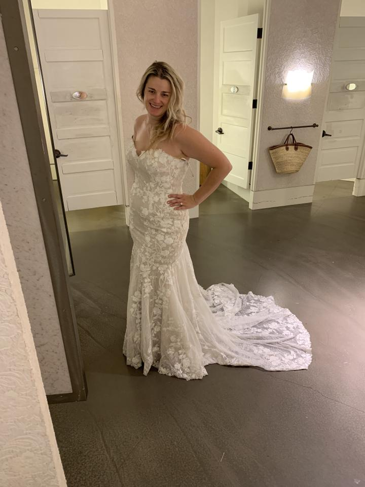Bhldn Ivory Lace Polyester Polyester Lining Lombardy Gown
