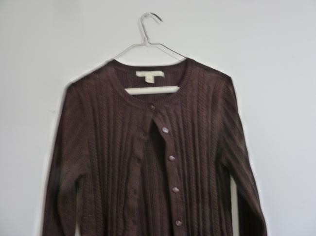 Preload https://img-static.tradesy.com/item/24255810/carolyn-taylor-ribbed-knit-button-front-brown-sweater-0-2-650-650.jpg