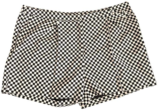 Preload https://img-static.tradesy.com/item/24255851/worthington-black-white-checkered-pleated-front-shorts-size-18-xl-plus-0x-0-3-650-650.jpg