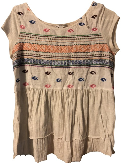 Preload https://img-static.tradesy.com/item/24256088/american-eagle-outfitters-white-with-pattern-tunic-size-8-m-0-3-650-650.jpg