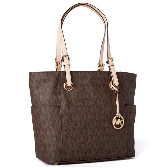 Preload https://img-static.tradesy.com/item/24256123/michael-kors-signature-jet-set-tote-0-0-540-540.jpg
