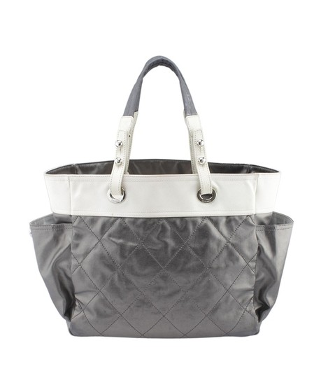Preload https://img-static.tradesy.com/item/24256128/chanel-biarritz-paris-biarritz-medium-quilted-159769-grey-leather-tote-0-0-540-540.jpg