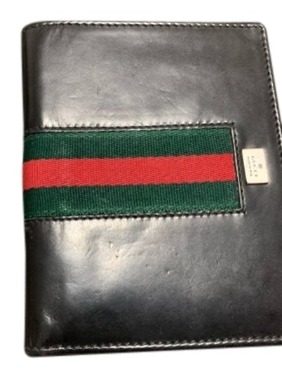 Preload https://img-static.tradesy.com/item/24256216/gucci-black-wallet-0-1-540-540.jpg