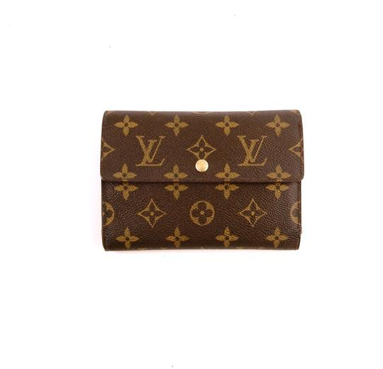 Preload https://img-static.tradesy.com/item/24256263/louis-vuitton-brown-continental-monogram-canvas-leather-clutch-trifold-wallet-0-0-540-540.jpg