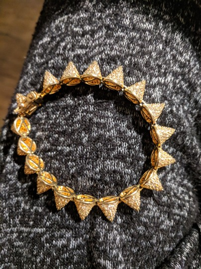 Preload https://img-static.tradesy.com/item/24256277/eddie-borgo-gold-small-17-cone-with-and-pave-crystals-bracelet-0-0-540-540.jpg