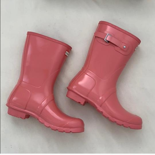 Preload https://img-static.tradesy.com/item/24256360/hunter-pink-bootsbooties-size-us-7-regular-m-b-0-2-540-540.jpg
