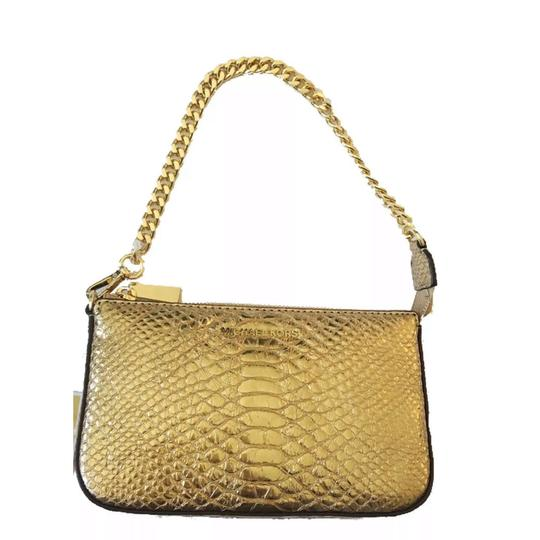 Preload https://img-static.tradesy.com/item/24256374/michael-kors-new-medium-chain-pouch-clutch-pouchette-gold-embossed-leather-wristlet-0-0-540-540.jpg