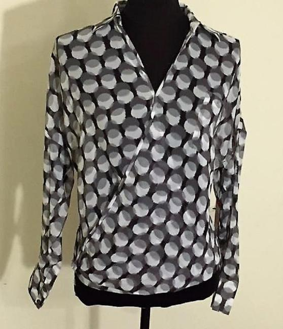 Vince Camuto Dot Print Faux Wrap V-neckline Asymmetrical Hem Slip Pockets Top Black, Grey & White
