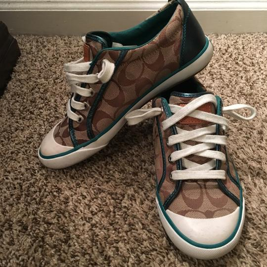 Coach Standard Coach color with Teal accent Athletic