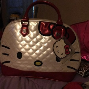 Hello Kitty Satchel in red and white