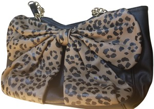 6a7b2643b9 Brown Betsey Johnson Bags - Up to 90% off at Tradesy