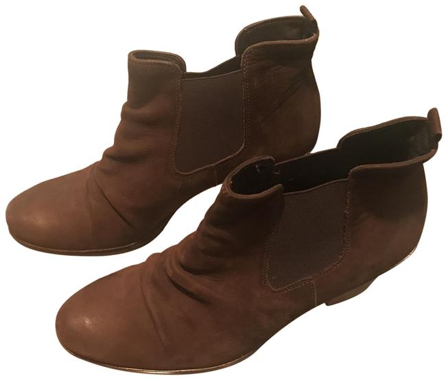 Item - Distressed Brown Chelsea Boots/Booties Size US 6.5 Regular (M, B)