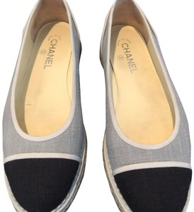 Chanel gray/black Flats