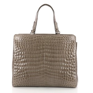 Bottega Veneta Tote in taupe