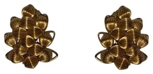 Unknown Gold decorative clip on earrings