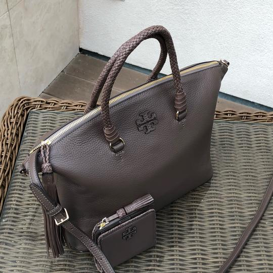 Tory Burch Satchel in silver maple Image 1