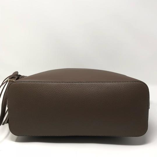 Tory Burch Satchel in silver maple Image 6