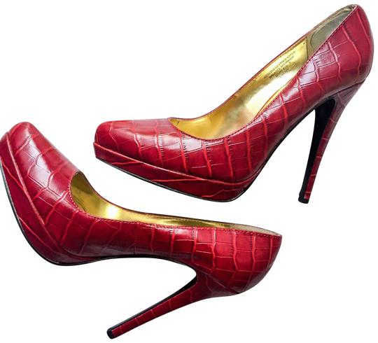 Preload https://img-static.tradesy.com/item/24260582/colin-stuart-red-snakeskin-stiletto-pumps-size-us-9-regular-m-b-0-3-540-540.jpg