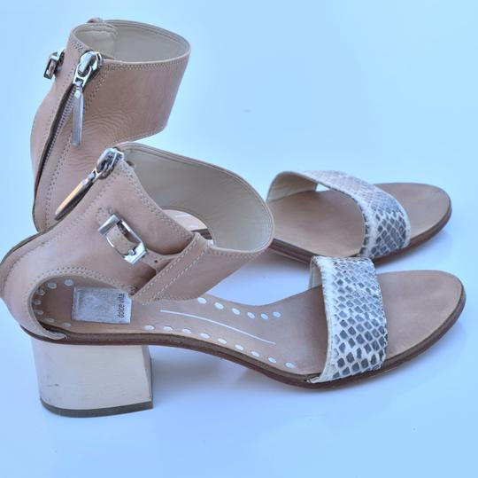 Dolce Vita cream & gray Sandals Image 7