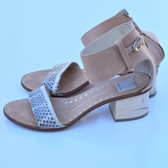 Dolce Vita cream & gray Sandals Image 9