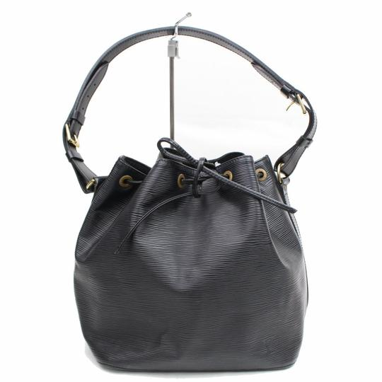 Preload https://img-static.tradesy.com/item/24261513/louis-vuitton-bucket-petit-noe-drawstring-868454-black-leather-shoulder-bag-0-0-540-540.jpg