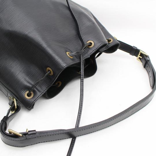 Louis Vuitton Artsy Bucket Neo Drawstring Shoulder Bag Image 9