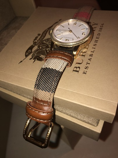 Burberry Burberry Gold Image 2