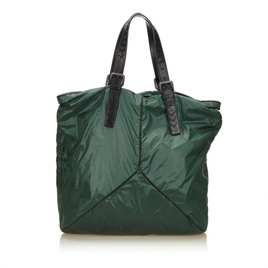 Preload https://img-static.tradesy.com/item/24261798/bottega-veneta-green-fabric-x-nylon-x-leather-x-others-shoulder-bag-0-0-540-540.jpg